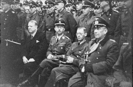 450-quislig under the nazis